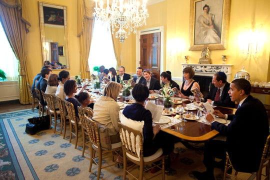 ديكور منزل اوباما (رئيس امريكا) Salle-a-manger-familiale-430578