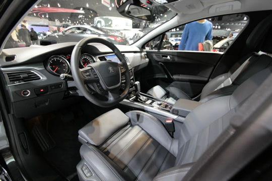 [INFORMATION] Citroën veut faire de la C5 une référence - Page 2 Raffinee-664854