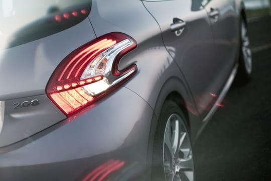 Auto, Citadine : Nouvelle Peugeot 208 Arriere-1036159