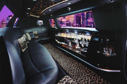 Coulisses/Parking. 2-limousine-int1