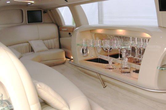 Les voitures de vos rêves 3-limousine-int