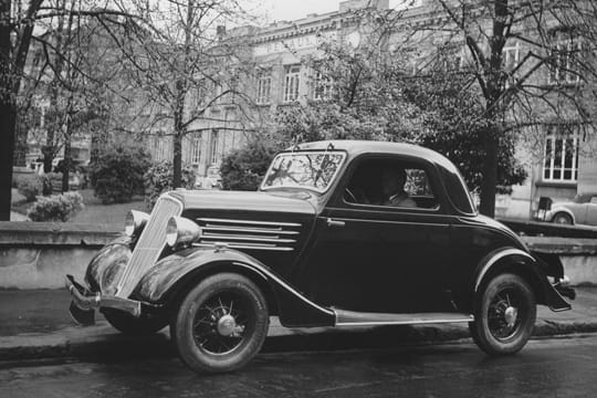 Auto : Les nouvelles voitures d'antan Renault-celtaquatre-880982