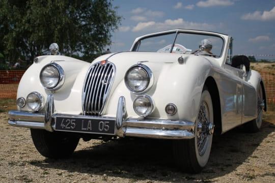 Auto : Les plus belles photos d'automobile des Internautes Charme-jaguar-d-antan-1027486