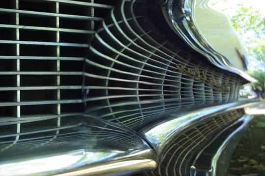 Auto : Les plus belles photos d'automobile des Internautes Grille-agee-1027980
