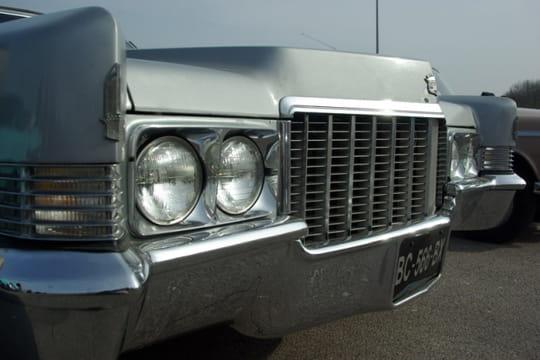 Auto : Les plus belles photos d'automobile des Internautes Reflets-chromes-d-une-cadillac-1028098