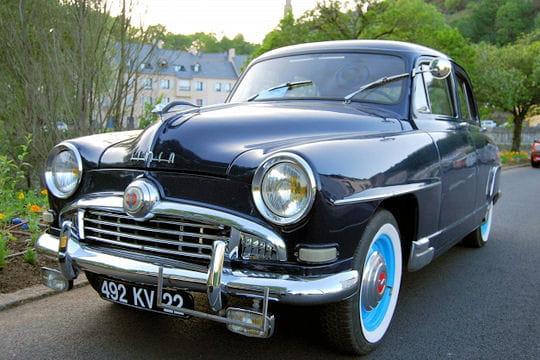 Auto : Les plus belles photos d'automobile des Internautes Simca-rutilante-1028079