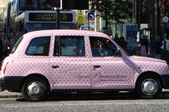 Auto : Tour du monde des taxis Irlande-nord-910163