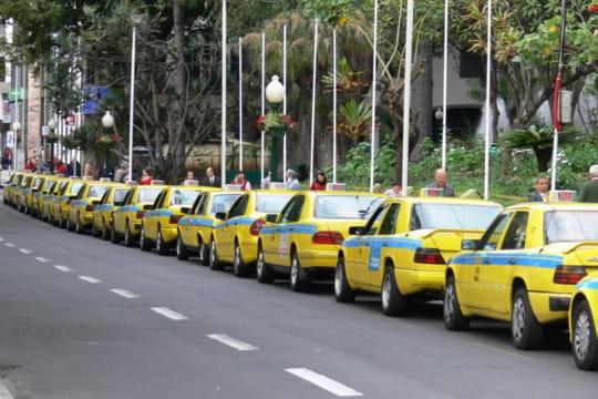 Auto : Tour du monde des taxis Portugal-910368