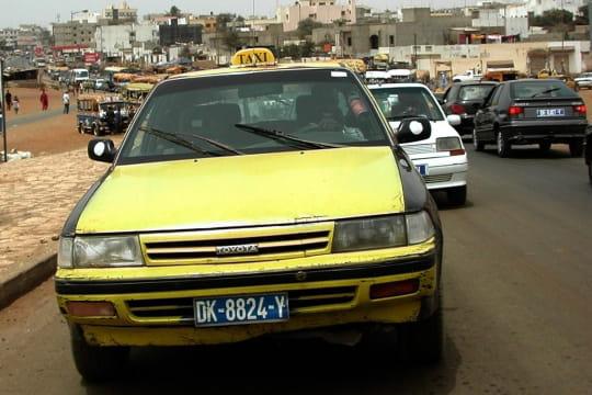 Auto : Tour du monde des taxis Senegal-910143