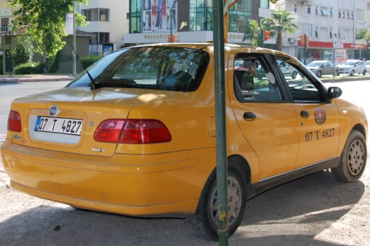 Auto : Tour du monde des taxis Turquie-910361