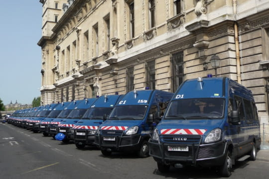 Auto : Voitures insolites Gendarmes-886521