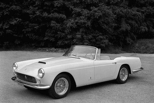Auto & Voiture de collection : La saga Ferrari Ferrari-250-gt-cabriolet-859112