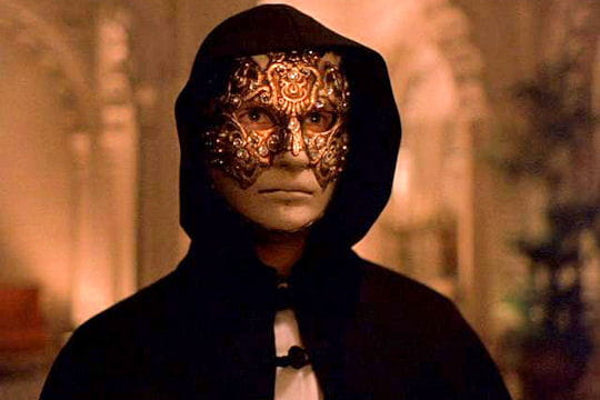 masque venitiens de la Comedia Tom-cruise-eyes-wide-shut-643997