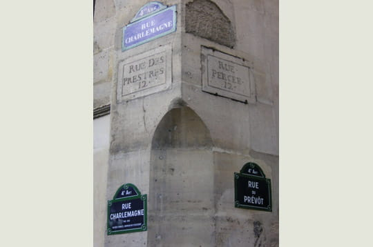 Insolite > Magazine > Noms de rues Charlemagne-253834