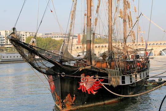 bateau du monde Boudeuse-495619