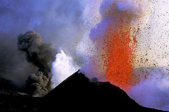 أجمل صور لطبيعة غاضبة Fontaines-volcaniques-247614