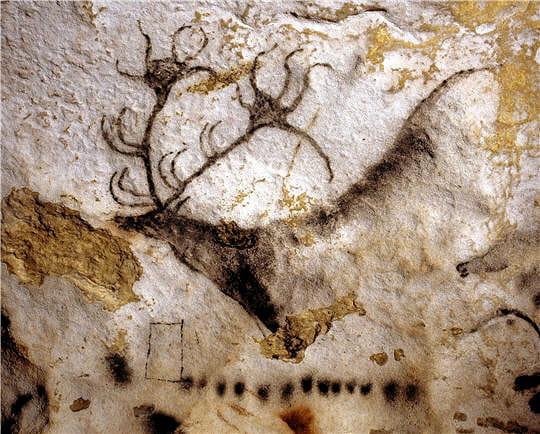 Grotte de Lascaux Cerf-noir-lascaux-645075