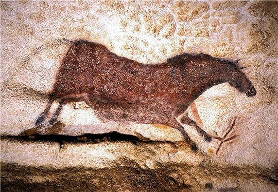 Grotte de Lascaux Cheval-rouge-noir-lascaux-645051