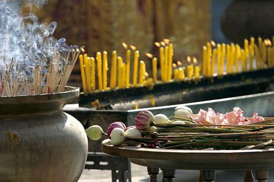 Images de Bienêtre - Page 3 Offrandes-buddha-241192