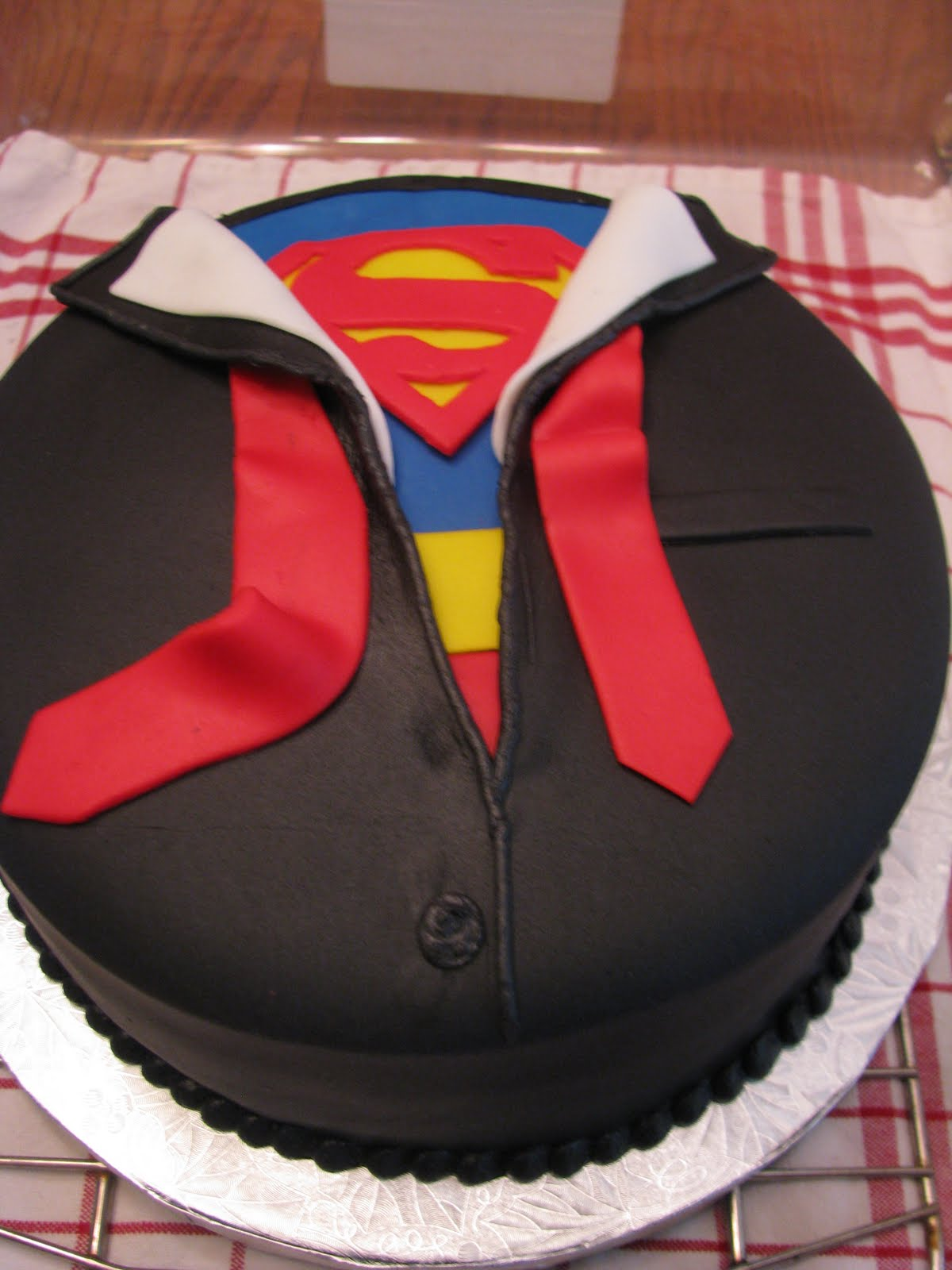 [Cumpleaños] Feliz Cumpleaños Knightwing! Superman-Cake-Pan