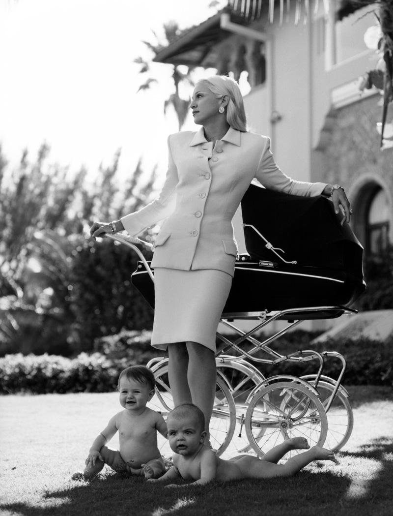 ICON >> La Reina del Pop y su legado en la MODA  - Página 2 Versace_by_Steven_MeiselTREZ
