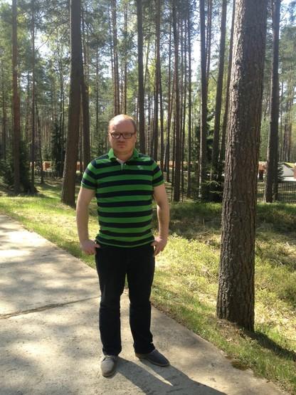 Побитый журналист Кашин в Катыни :) ArzOoJmCMAABdZF.jpg-large