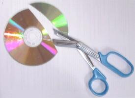 عندك CD قديم ما ترميه تعالى شوفى .... Old_cd_023b