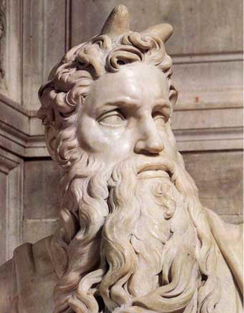Apuntes de Mitología y Etimología 19-Escultura-de-Mois%C3%A9s-tumba-de-Julio-II-de-Miguel-%C3%81ngel2