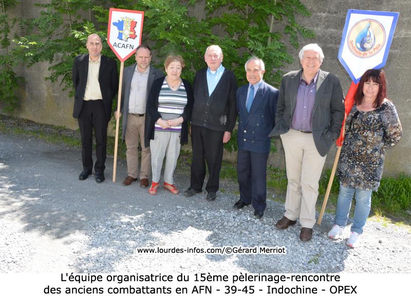 Lourdes : Messes Internationales-Processions Eucharistiques-Infos!! - Page 9 01-800-275