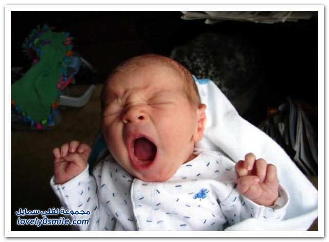 صور لتثائب الأطفال Babies-yawn-02