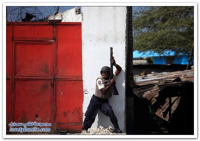 صور من آثار زلزال هايتي Haiti-2010-25