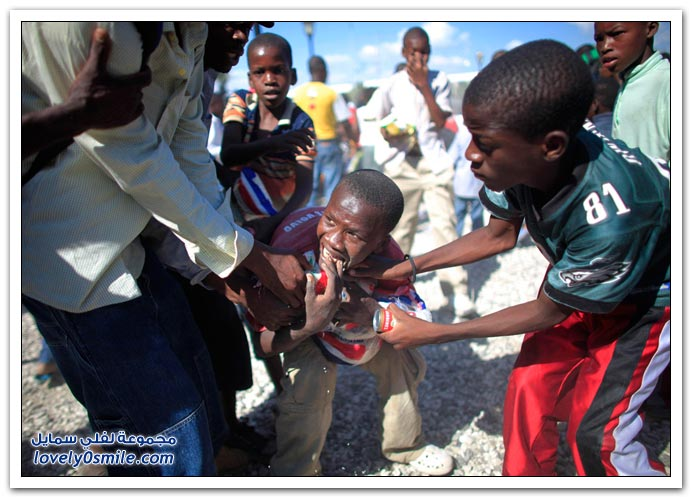 صور من آثار زلزال هايتي Haiti-2010-32