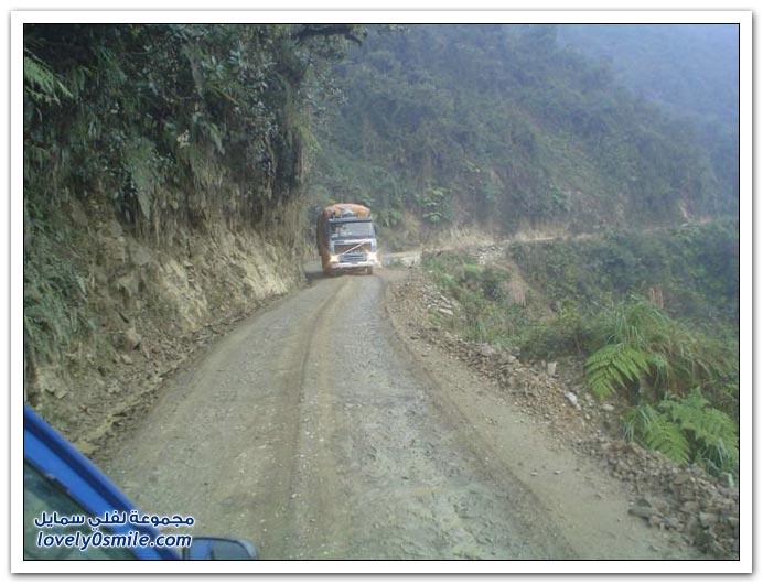 صور أخطر طريق في العالم Most-dangerous-road-06