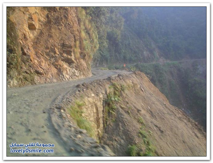 صور أخطر طريق في العالم Most-dangerous-road-08