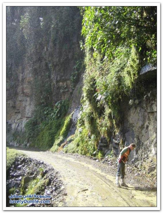 صور أخطر طريق في العالم Most-dangerous-road-19