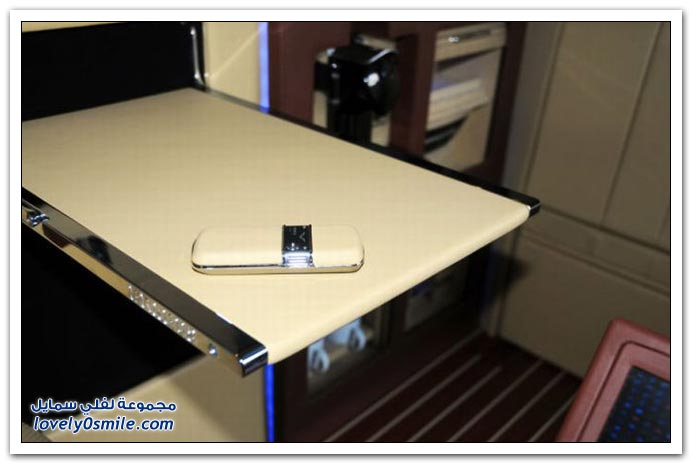 صور: تصميم رائع لمكتب داخل سيارة مرسيدس بنز BrabusMercedes-09