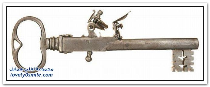 مفاتيح قديمة في مسدسات Keys-in-old-guns-01