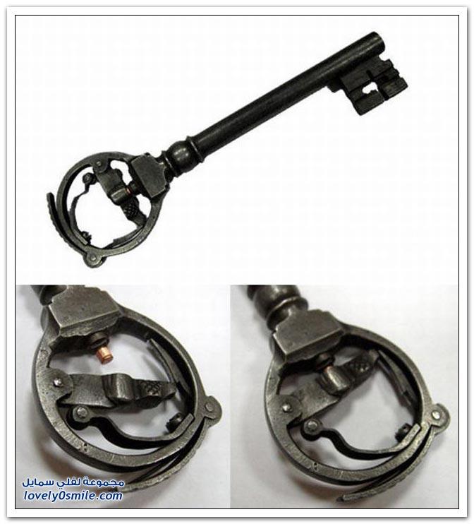 مفاتيح قديمة في مسدسات Keys-in-old-guns-02