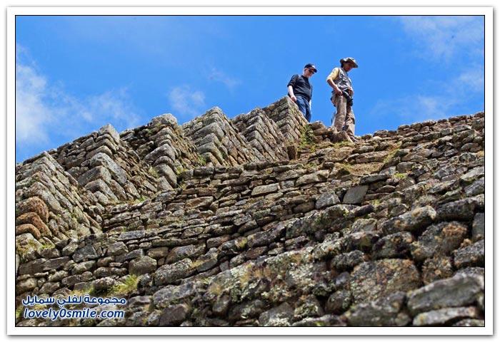 المدينة المفقودة مدينة ماتشو بيتشو لشعب الإنكا في البيرو Machu-Picchu-city-of-the-Inca-people-in-Peru-01