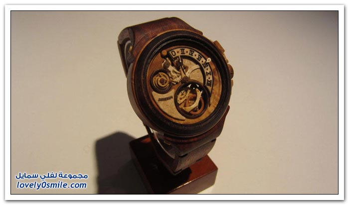 ساعة منحوتة من الخشب Clock-carved-from-wood-01