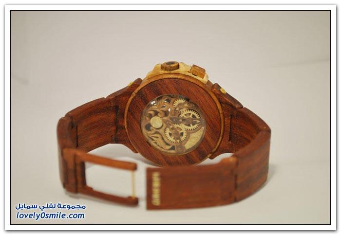 ساعة منحوتة من الخشب Clock-carved-from-wood-04