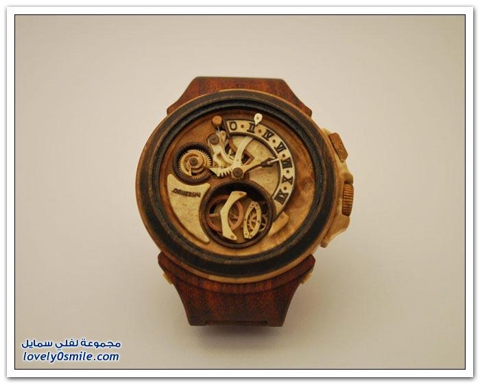 ساعة منحوتة من الخشب Clock-carved-from-wood-05