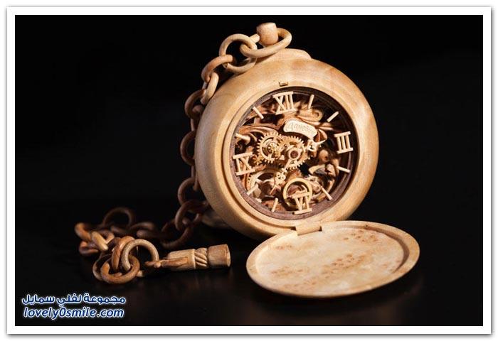 ساعة منحوتة من الخشب Clock-carved-from-wood-06