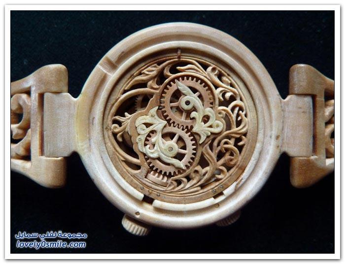 ساعة منحوتة من الخشب Clock-carved-from-wood-08