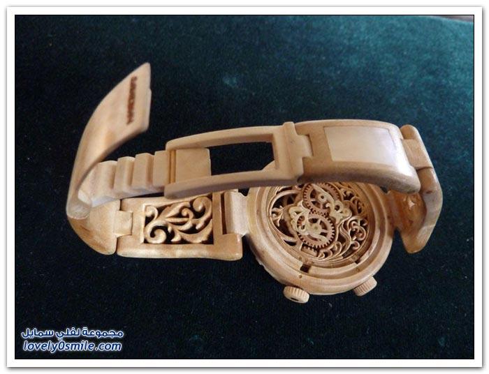ساعة منحوتة من الخشب Clock-carved-from-wood-09