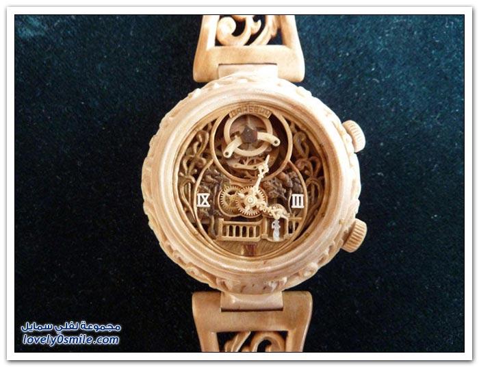ساعة منحوتة من الخشب Clock-carved-from-wood-10