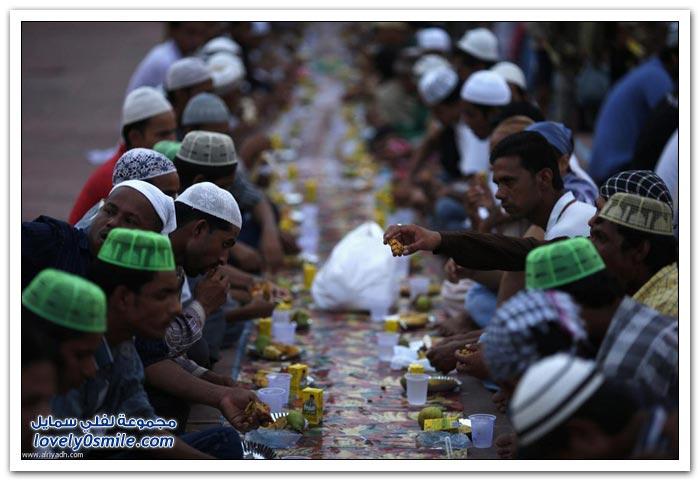 الفطور الجماعي في رمضان في بعض دول العالم Collective-breakfast-in-Ramadan-03