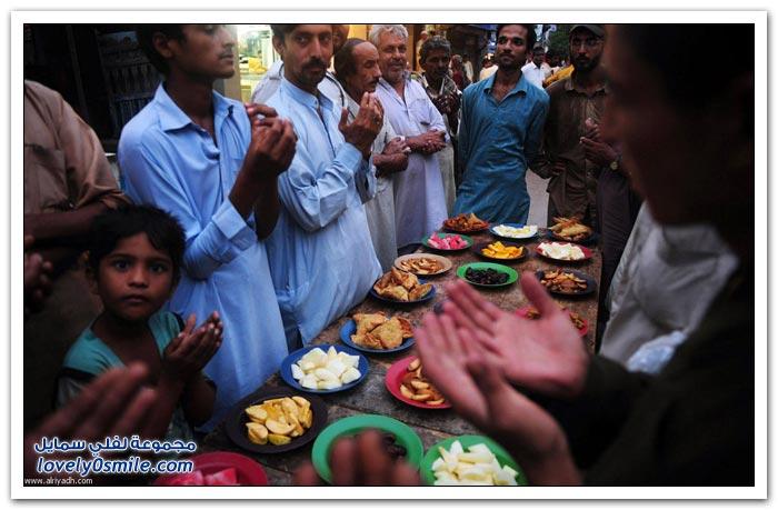 الفطور الجماعي في رمضان في بعض دول العالم Collective-breakfast-in-Ramadan-09