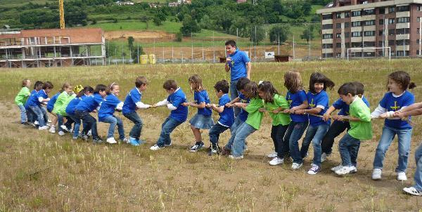 8-9-10 de Mayo concurso de paellas y  fira de sant Isidre en Bellvei del penedes (Club de la sonrisa) 3
