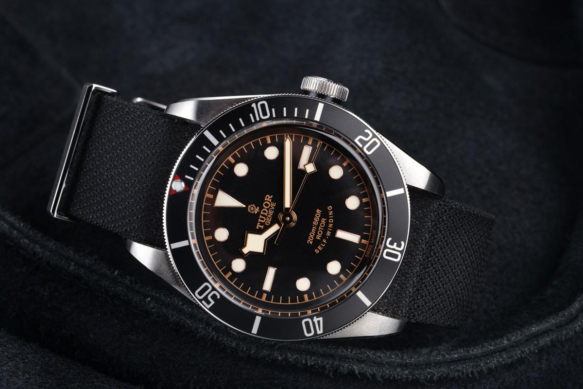 quelle montre pour un ventral pendulaire ? BS-Tudor-BlackBay-Black-48x
